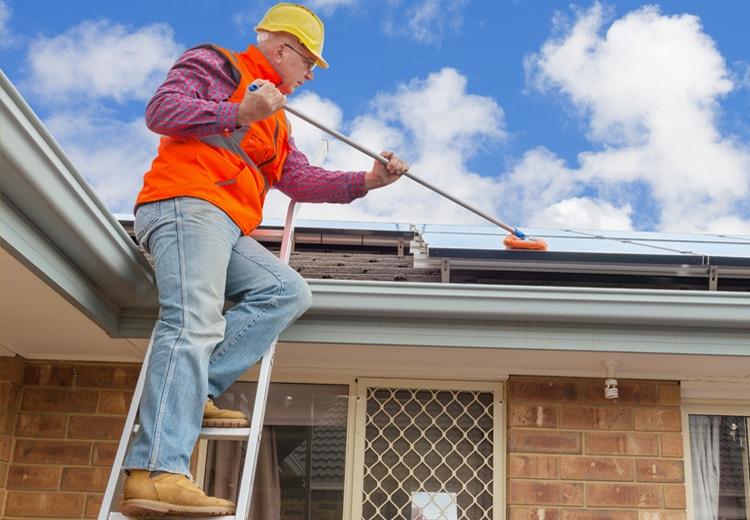 nettoyer panneaux solaires
